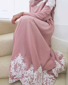 Blush pink with white lace detailing. Hijab Evening Dress, Hijab Dress, Hijab Outfit, Islamic Fashion, Muslim Fashion, Modest Fashion, Modele Hijab, Hijab Fashionista, Eid Dresses
