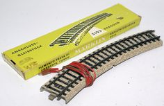 "Vintage HO Scale 5103 MARKLIN Märklin ""M"" Curved Track Feeder Piece in Yellow Box"