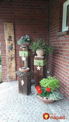 Decorate old oak beams according to your mood. Decorate old oak beams according to your mood. Decorate old oak beams according to your mood. Decorate old oak beams according to your mood. Landscape Timber Crafts, Landscape Timbers, Diy Garden Decor, Garden Art, Wood Crafts, Diy And Crafts, Deco Nature, Pinterest Garden, Deco Floral