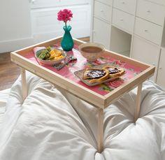 Que diriez-vous de fabriquer vous-même un joli plateau à utiliser pour un petit déjeuner au lit pour vous ou pour un autre membre de votre famille?