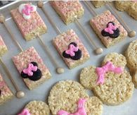 Minnie Mouse themed baby shower treats Minnie Mouse themed baby shower treats Minnie M Minnie Y Mickey Mouse, Minnie Mouse Theme Party, Minnie Mouse First Birthday, Mickey Party, Mickey Mouse Birthday, 2nd Birthday, Birthday Ideas, Minnie Mouse Favors, Mickey Mouse Parties