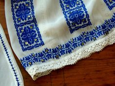 Ie Crasna, Gorj. Folk Embroidery, Romania, Bohemian Rug, Textiles, Rugs, Sewing, Knitting, Blouse, Cross Stitch