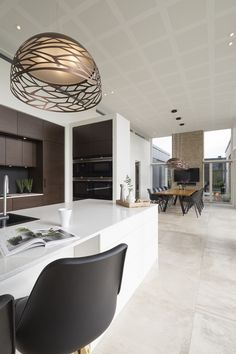Byg nyt hus | Byg din drømmebolig | Galleri - Uldum Huse A/S New Builds, House Plans, House Design, Ceiling Lights, Interior Design, Building, Kitchen Ideas, Villa, Inspiration