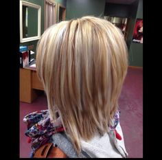 """hair_beauty- love the different blondes and cut! """"Highlights and lowlights"""", """"love the different blondes BUT maybe add some strawberry blonde Longe Bob, Medium Hair Styles, Short Hair Styles, Brown Blonde Hair, Blonde Honey, Hair Color And Cut, Hair Affair, Grunge Hair, Great Hair"""