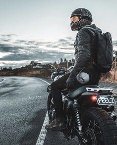Triumph Street Scrambler, Scrambler Motorcycle, Cruiser Motorcycle, Motorcycle Photo Shoot, Custom Motorcycle Helmets, Bike Helmets, Women Motorcycle, Motorcycle Photography, Car Photography