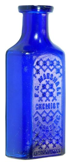 F. G. Marshall Chemist Bundaberg. Whitall Tatum. 2 oz. c1900s Small Glass Bottles, Old Bottles, Chemist, Blues, Auction, Vase, Antiques, Decor, Antiquities