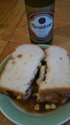 Salsbury steak w-/cheese an corn