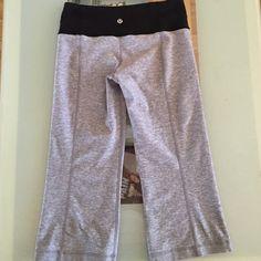 Lululemon Capris! Reversible Reversible Lululemon capris. Has internal pocket for key or iPod. Good condition ! lululemon athletica Pants Capris