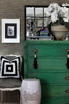 Muebles pintados en color verde
