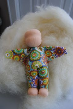 Fairywool Dolls: How to Make a Small Waldorf Doll