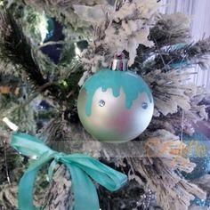 pallina satinata effetto colata in fimo addobbi per albero di natale - tiffany Tiffany, Christmas Bulbs, Holiday Decor, Home Decor, Fimo, Decoration Home, Christmas Light Bulbs, Room Decor, Home Interior Design