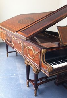 Antique Broadwood Grand Piano Restored - Concert Grand Piano - Antique Steinway, Bosendorfer, Chickering and other rare vintage Grand Piano...