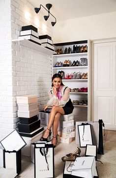Alia Bhatts Home Interiors Refects Her Bubbly Persona Designed by Richa Bahl Portrait photographer: Prasad Naik Interior photographer Ashish Sahi source:architecturaldigest.