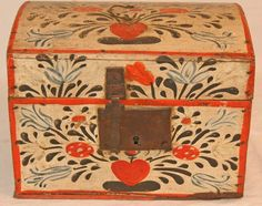 American oak painted document box. Red, white & blue florals. Lovely dome top box with original metal hardware. L.18th - E.19th century.