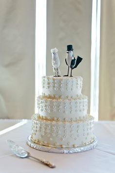 Lovely all white wedding cake with mini flowers // Corey Fox Photography, Tahoe Cakes by Grace, Take the Cake Event Planning, Edgewood Tahoe