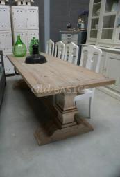 Mooie stoere kloostertafel van Old-BASICS - Landelijk antiek en Brocante . Deze tafel is in alle maten te bestellen! www.old-basics.nl