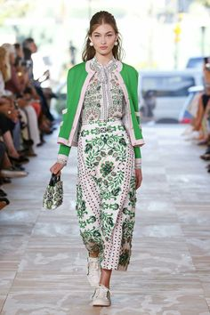 2bd1024ed048 Tory Burch Spring RTW Collection At New York Fashion Week Find Out  More---------------- Latest Designer Spring Collections At New York Fashion  Week