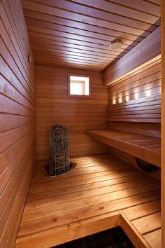 Luonnonvalo ja valaisimet tuovat esiin saunatilan kauniit puupinnat. Klikkaa kuvaa, niin näet tarkemmat tiedot!