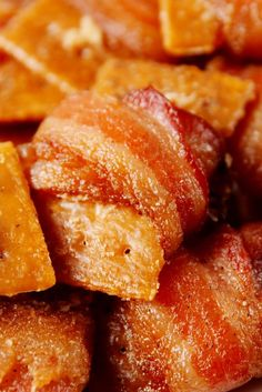 Bacon Crack Bites Get your fix. Get the recipe from Delish. Best Christmas Appetizers, Holiday Party Appetizers, Thanksgiving Appetizers, Christmas Recipes, Christmas Meals, Halloween Appetizers, Thanksgiving Ideas, Christmas Goodies, Holiday Treats