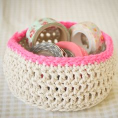 Crochet these easy baskets with string and wool. http://thingsdeeloves.wordpress.com/2013/08/26/loving-crochet-baskets/