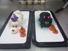 Halloween Critters by AingelCakes on DeviantArt Creepy Halloween Food, Halloween Desserts, Halloween Cakes, Puppy Cupcakes, Christmas Cake Designs, First Communion Cakes, Paris Cakes, Horse Cake, Book Cakes