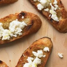 Grilled Bread with Cotija Easy Appetizer Recipes, Best Appetizers, Snack Recipes, Healthy Recipes, Snacks, Grilled Bread, Biscuit Bread, Tasty Bites, Bread Recipes