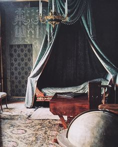 King Karl Johan XIV's bedchamber, at Rosendal Castle, built on one of Stockholm's many islands. World of Interiors, February… Medieval Bedroom, Interior Decorating, Interior Design, World Of Interiors, Historic Homes, Scandinavian Style, Oeuvre D'art, Old World, Decoration
