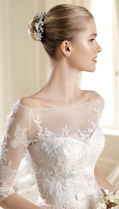 lace wedding dresses with sleeve and love the top