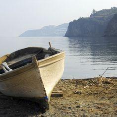 Boat on a Shore   ArtTutor
