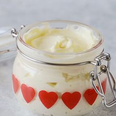 This Homemade Eggless Mayonnaise is creamy, smooth, and perfect to spread over bread for sandwiches or add to salads. It's ready in under 2 minutes and can be flavoured any way you like. Homemade Eggless Mayonnaise Recipe, Homemade Mayonaise, Vegan Mayonaise, Mayonaise Recipe, Eggless Recipes, Cooking Recipes, Egg Free Mayonnaise Recipe, Mayonnaise Sandwich, Proteine Vegan