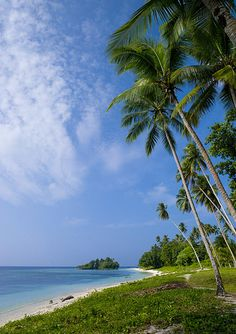 Enjoy the serene beaches of Kaibola, Trobriand Islands 'The Islands of Love' Papua New Guinea ... www.papuanewguinea.travel/milnebay