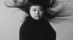 渡辺直美、ダイソンのヘアドライヤーで別世界へトリップ。 |BEAUTY | VIDEO | VOGUE