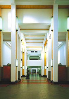 Haags gemeentemuseum. Het gebouw is al een tentoonstelling op zich!