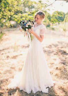 Vintage Ivory Lace Wedding Dress Chiffon Wedding Gown Short Sleeves Zipper Back on Etsy, $209.00