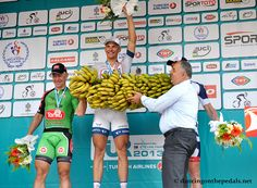 Marcel Kittel receives his prize for winning stage