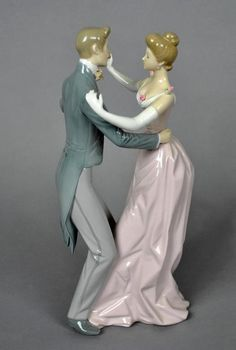 The Chinaman offers the finest collection of china, porcelain, glass and crystal gifts from leading manufacturers including Lladro, Lalique and Moorcroft. Royal Doulton, Thomas Kinkade, Grace And Lace, Precious Moments Figurines, Royal Copenhagen, Glazes For Pottery, Ceramic Painting, Fine Porcelain, Earthenware