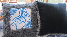 Fälltryck på produkter - Norra Apleröds fårgård Sheepskin Rug, Rugs, Gallery, Farmhouse Rugs, Roof Rack, Rug