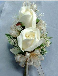 Pin corsage, white roses
