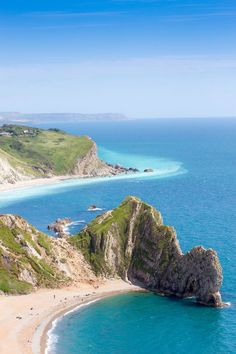 """travel-lusting: """"Lulworth Cove, Dorset, England (by Gavin Jones) """" Places To Travel, Places To See, Places Around The World, Around The Worlds, Lulworth Cove, Dorset Coast, Dorset England, England Uk, Jurassic Coast"""