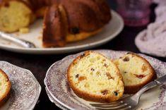 Polish Babka   King Arthur Flour: A moist, cake-like yeast bread, often served at Polish Easter celebrations. Babka Bread, Yeast Bread, Bread Baking, Polish Babka Recipe, Polish Recipes, Polish Food, Bread Recipes, Cooking Recipes, Easter Pie