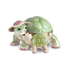 Granddaughter Turtle Music Box: Grandma's Little Sweetheart by The Bradford Exchange Turtle Homes, Turtle Day, Ceramic Turtle, Pot A Crayon, Tortoise Turtle, Bradford Exchange, Rudolph The Red, Pretty Box, Red Nosed Reindeer