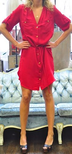 red silk shirt dress would like it with black leggins Silk Shirt Dress, Spring Summer Fashion, Fall Fashion, Passion For Fashion, Dress To Impress, Style Me, Cool Outfits, Red Silk, How To Wear