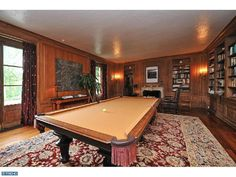 Lovely #game #room and its billiard table. So natural.