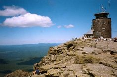 List of great places to hike in New York, complete with details about each spot. (via everytrail.com)
