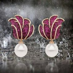Rubies and Diamonds over a pair of 16mm South Sea pearls by @PearlsCenter #pearlscenter #italcatena #pearls #pearl#jewelry #jewellery #jewelrygram #ootd #fashionstyle #fashionblogger #oneofakindjewelry #greatjewelrycollectors