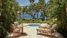 Where to stay on Oahu, as recommended by a local! A guide to the best hotels on Waikiki Beach, in Honolulu, on the North Shore, and in Ko Olina. Best Resorts, Hotels And Resorts, Best Hotels, Luxury Hotels, Oahu, Hawaii Hotels, Waikiki Beach, Luxury Accommodation, Four Seasons Hotel