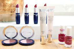 Some fall make-up essentials by blogger Living up a notch. #lipstick #eyeshadow #primer #nailpolish #lumene