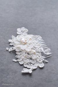 Bridal lace comb | Peigne cheveux mariage en dentelle brodée perles fait main | Orchidée de Soie