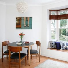 Small Dining Room with Small Round Dining Table and Chairs