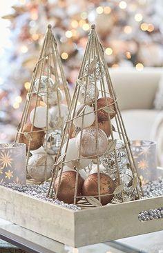 Christmas Candle Decorations, Rustic Christmas Ornaments, Cone Christmas Trees, Christmas Mom, Christmas 2019, Black Christmas, Christmas Crafts, Vintage Christmas, Christmas Interiors